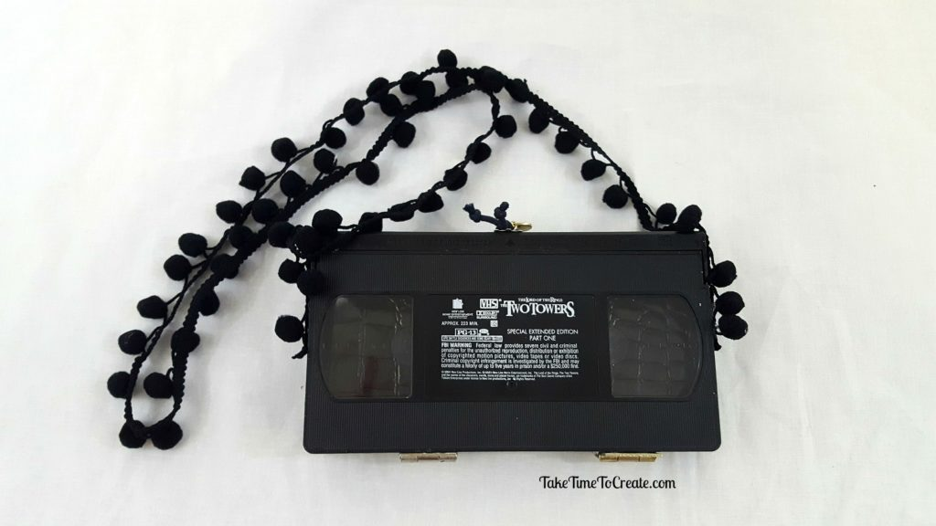 create a diy vhs purse