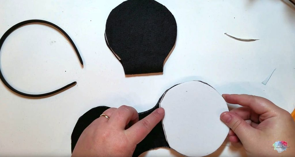 DIY Halloween Mickey Mouse Ears